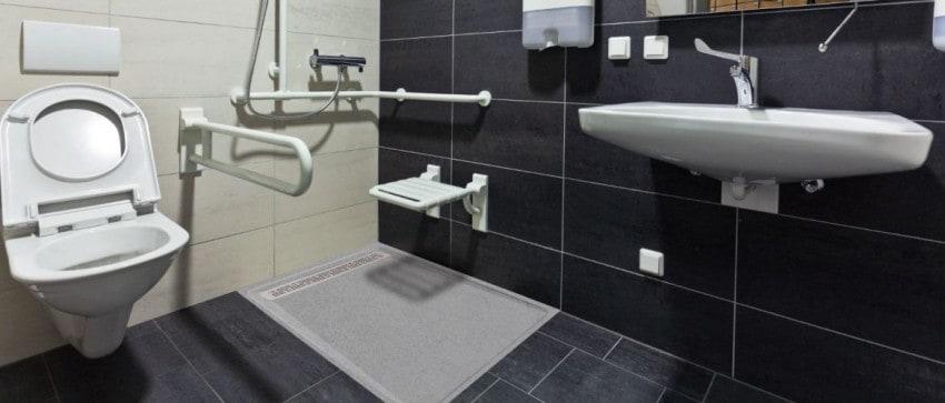 Adaptation de salles de bains pour handicapés.